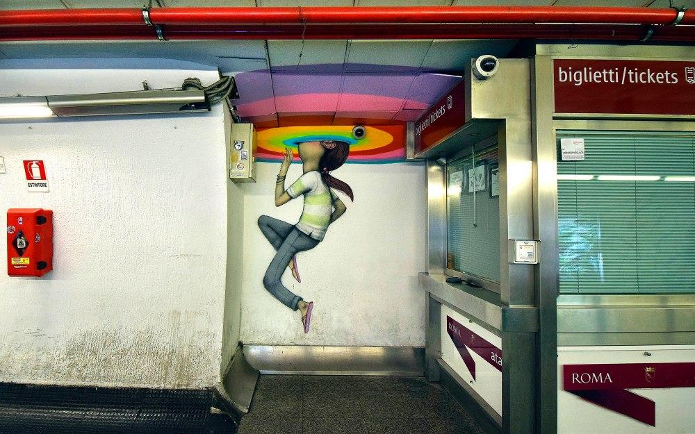 08/05/2014 Roma. Stazione Spagna della Metro A. Opere di sei street artist francesi realizzate a titolo gratuito per riqualificare uno spazio urbano di grande transito. Murale di Seth