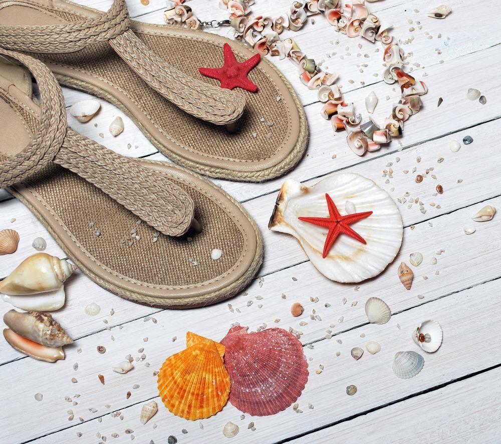 sandals-1578199_1920